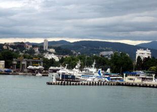 Sochi Limanının Deniz Tahkimatı Arhavi Taşı İle Yapılıyor